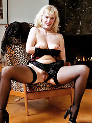 Have hit Mature blonde stockings high heels opinion
