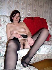 Mature pussy in pantyhose